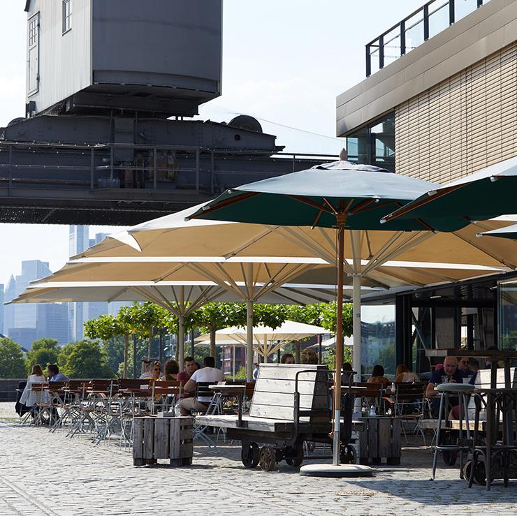 Hafenpark Quartier Frankfurt Restaurant Oosten im Hafenpark am Main